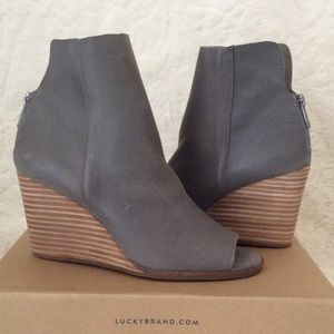 38a724ae2df Lucky Brand Shoes - 💙LUCKY BRAND URBI OPEN TOE BOOTIES💙